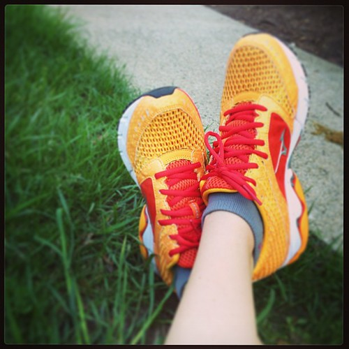 Beautiful night to break in my new @mizunorunning wave inspire 9s <3 #fitfluential #brilliantrun