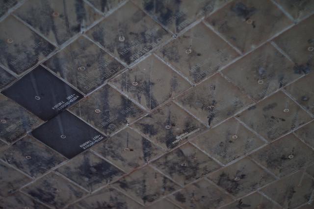 Tile streaking