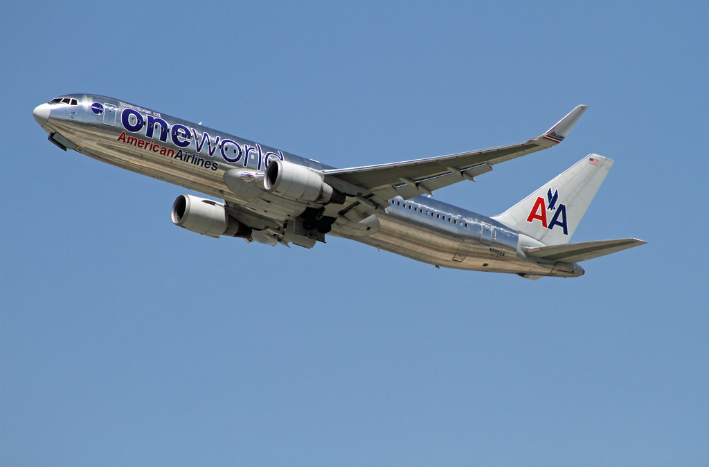 American Airlines 767 New Livery – images free download