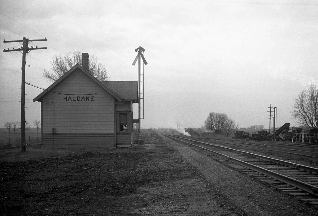 Illinois central depot haldane illinois the lonely outpo flickr for Olive garden springfield illinois