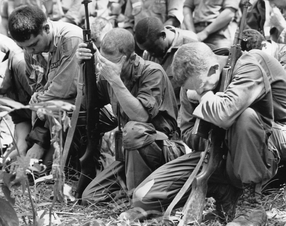 Vietnam War Mourning Dead U S Infantrymen Pray In The