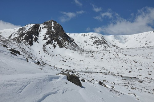 Dividing Buttress and Coire nan Clach