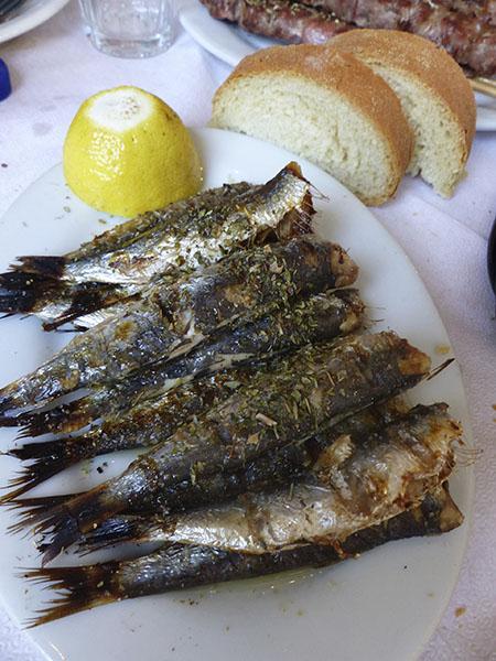 les sardines grillées du Pirée