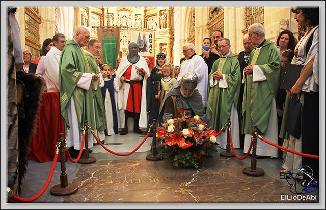 Fin de Semana Cidiano Ofrenda floral en la tumba del Cid (1)