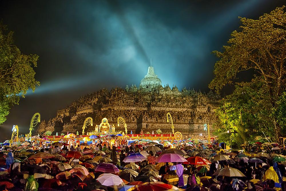 Vesak Night At Borobudur Temple Alex Hanoko Flickr
