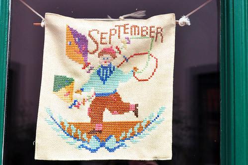 Monat September Stickbild Drachen Foto: Brigitte Stolle 2016