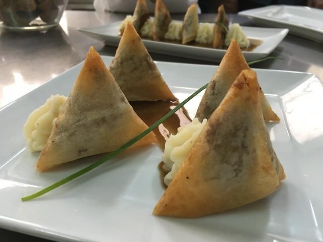 Triángulos de cordero con perss