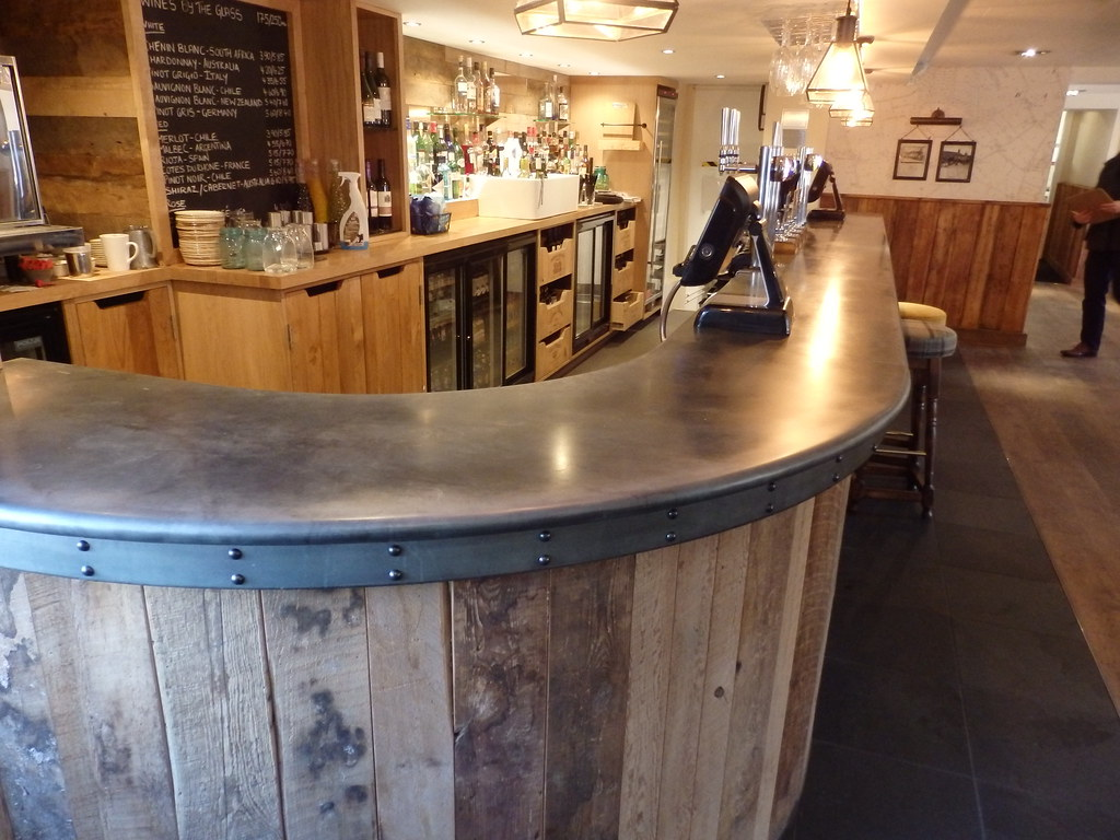 171 - Zinc Bar Top The Bonny Inn | OLYMPUS DIGITAL CAMERA ...