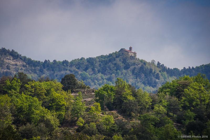 Santa Margarida de Vinyoles desde el camino a Cerdanyons