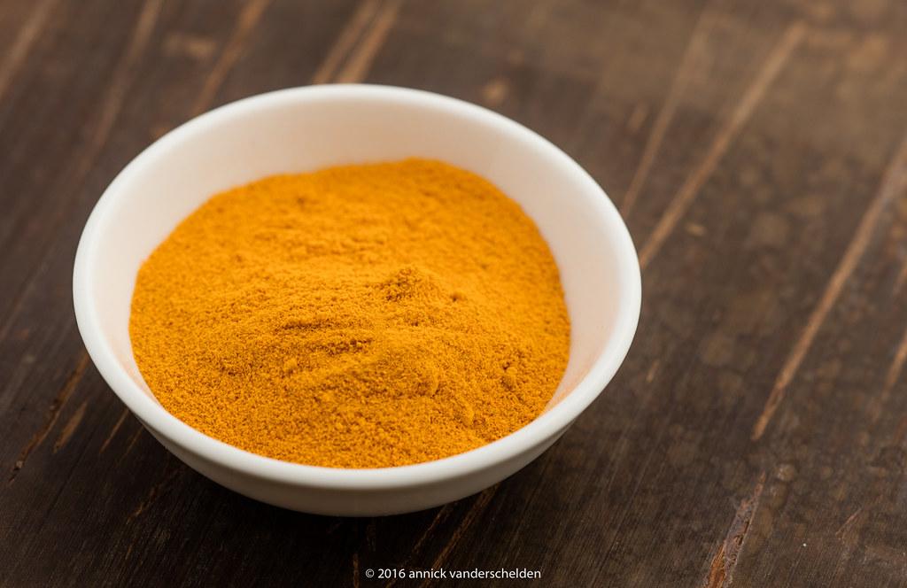 curcuma longa powder