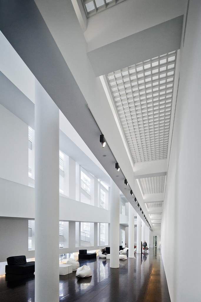 ... Art | Barcelona, Spain | Richard Meier | Flickr - Photo Sharing: https://www.flickr.com/photos/peterjsieger/8711839201