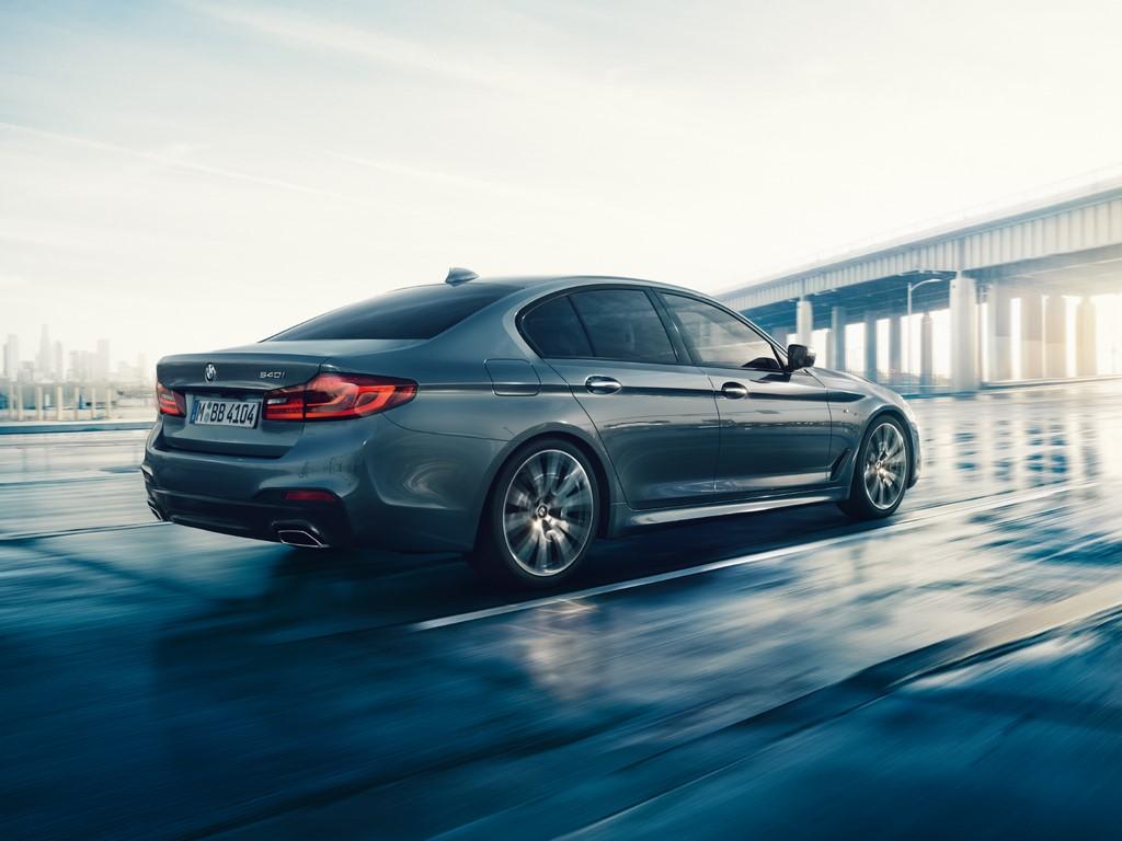 2017-BMW-5-Series (2)