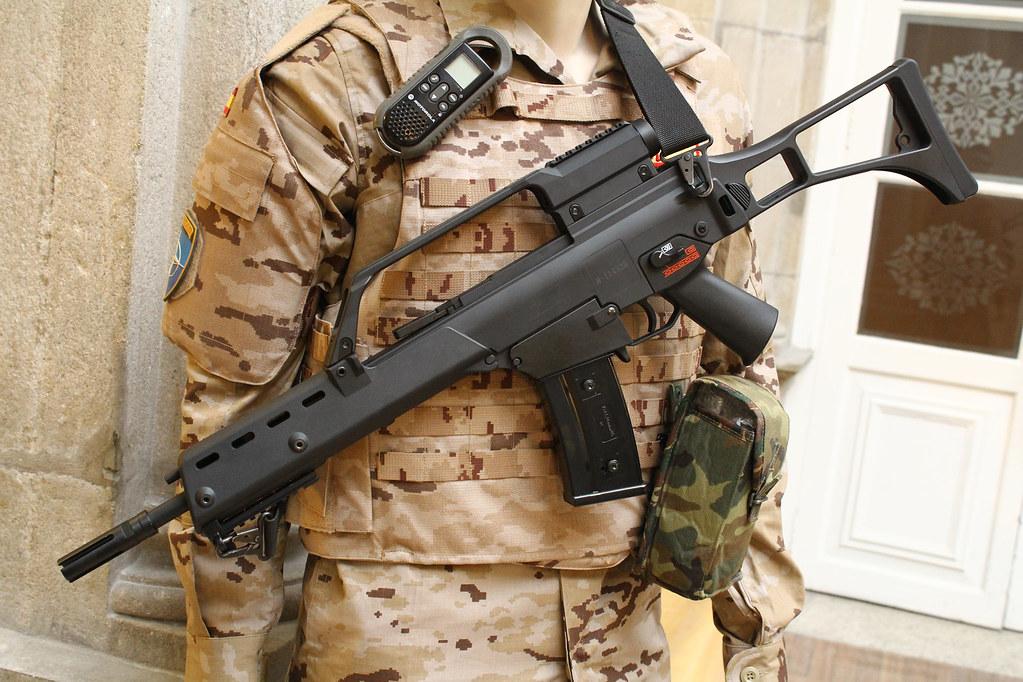 Fusil de asalto Heckler & Koch G36, reglamentario en el Ej ...