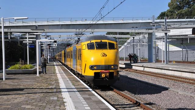Afscheidsrit Mat'64 / Plan V Station Arnhem