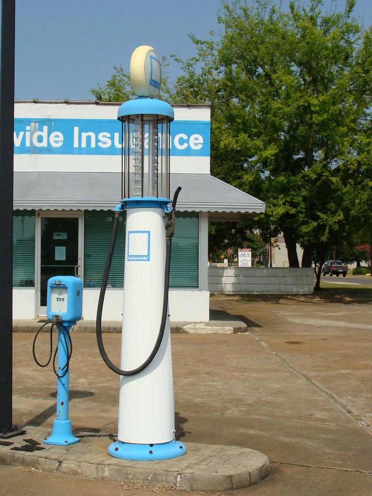 Old Gas Pump & Air Pump.---Gadsden, Al. | I love these old ...