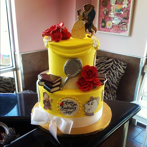 beauty and the beast birthday cake look at this it s no beast cake beautyandthebe 1619