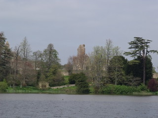 Sherborne Castle & Lakeside Gardens - lake - Sherborne Old Castle | by ell brown