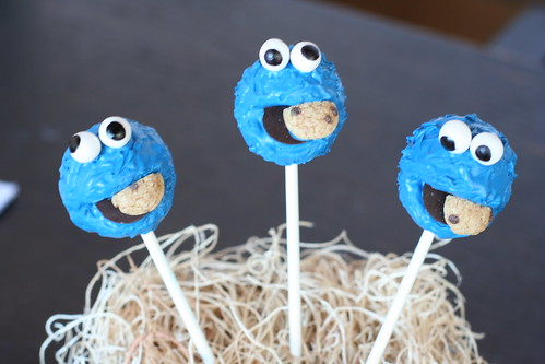 Cookie Monster Cake Pops | by Sweet Lauren Cakes