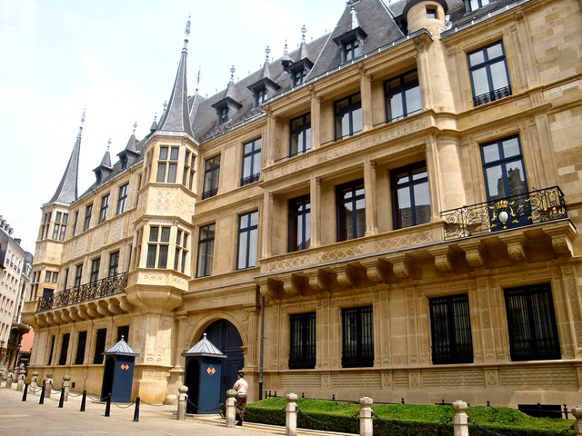 Palais grand ducal luxembourg city flickr photo sharing - Office du tourisme luxembourg ...