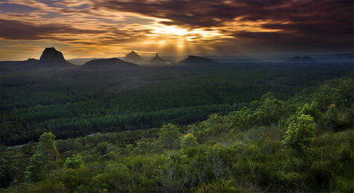 The Glasshouse Spectacular || GLASSHOUSE MOUNTAINS | by rhyspope