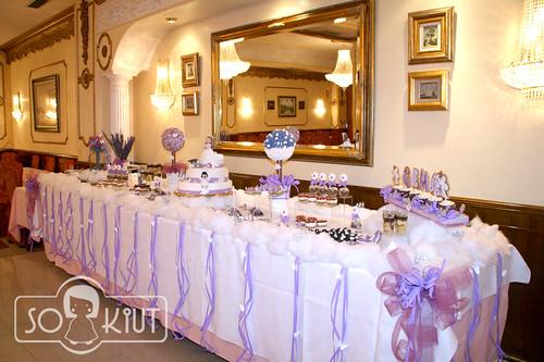 Mesa de dulces primera comunion tarta y dulces para la for Mesas dulces comunion nina