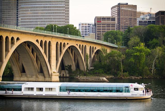 Potomac River Sightseeing Tours