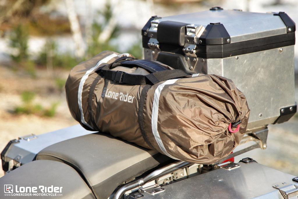 une fois emball e la tente pour moto mototent est ultra c. Black Bedroom Furniture Sets. Home Design Ideas