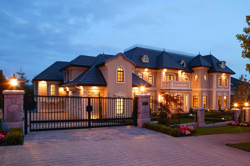 Mansion house exterior vancouver dusk exterior luxury for Home wallpaper vancouver