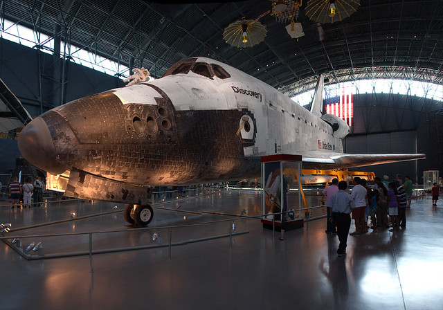 space shuttle discovery hazy - photo #3