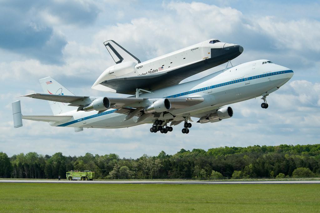Shuttle Enterprise Flight To New York 201204270019hq