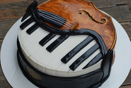 Piano Cello Cake | by Sweet Fix