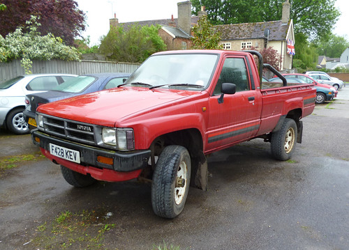 1988 Toyota Hilux 4x4 2 2 Petrol Still A Common Sight