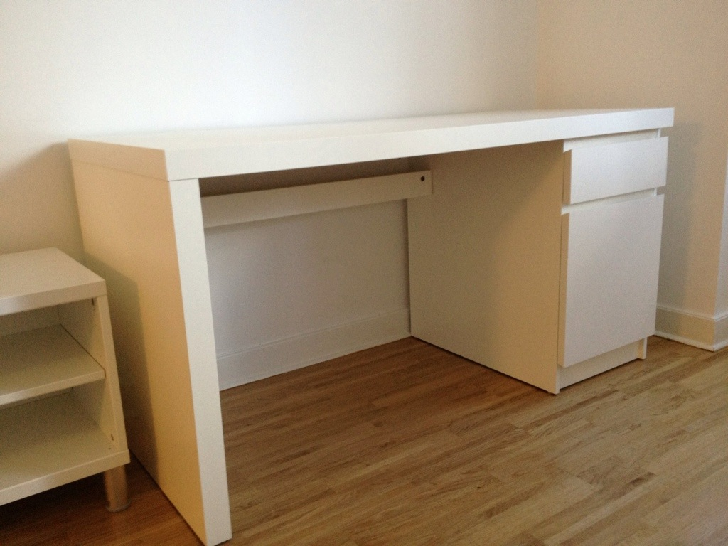 ikea malm desk gaming white ikea malm desk with ikea malm desk trendy malm chest gets a pull. Black Bedroom Furniture Sets. Home Design Ideas