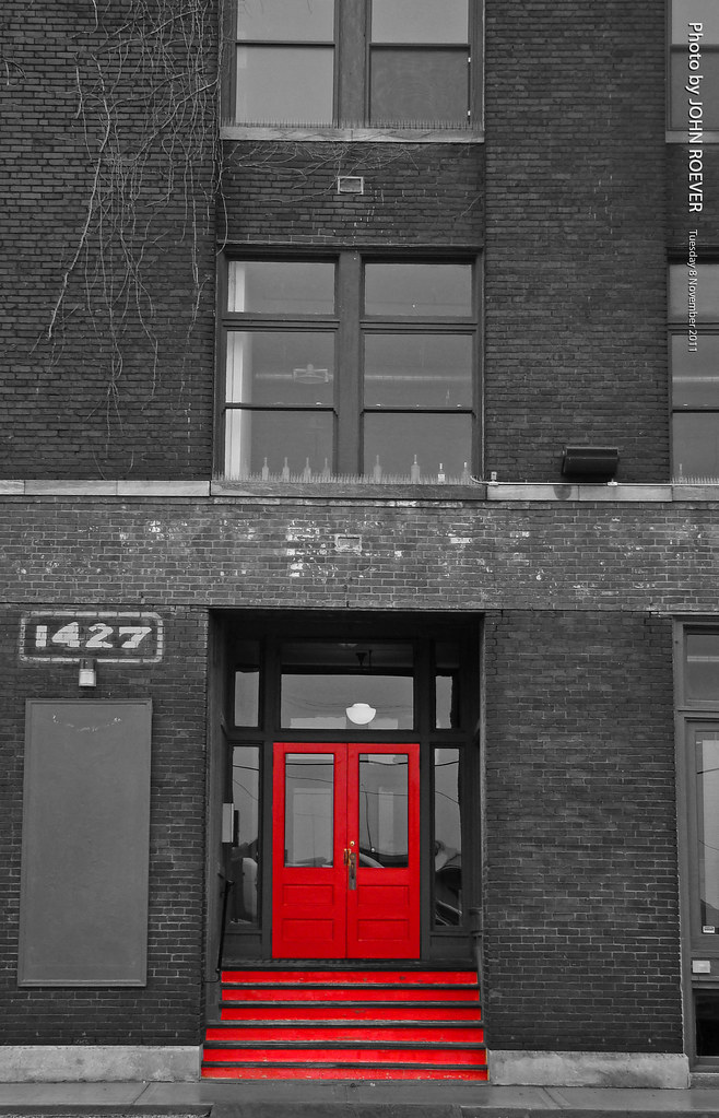 ROEVER Red Door In West Bottoms, 8 Nov 2011 | By Photography.by.ROEVER
