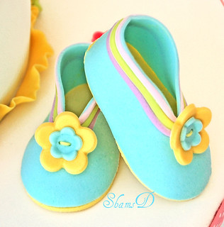 Fondant Baby Shoes | by ~Très Chic Cupcakes by ShamsD~