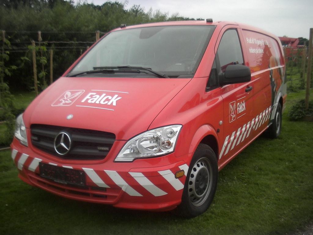 Mercedes vito roadside assistance falck recovery van for Mercedes benz roadside assistance free