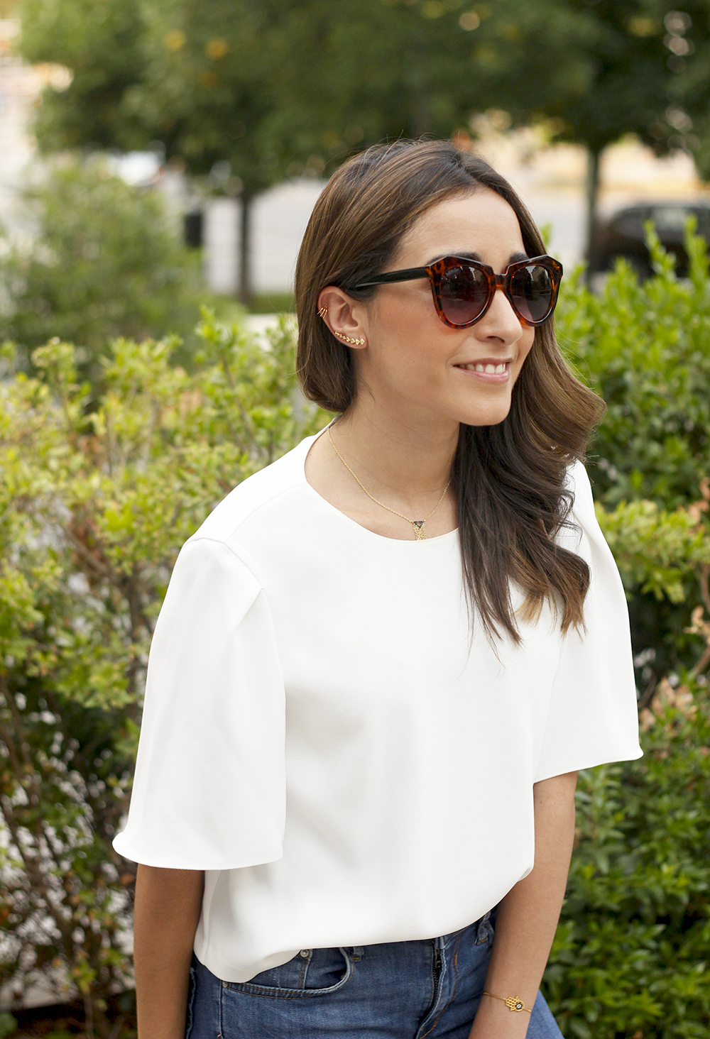 White blouse jeans earrings earcuff jewellery corte ingles joyería verano summer outfit style5