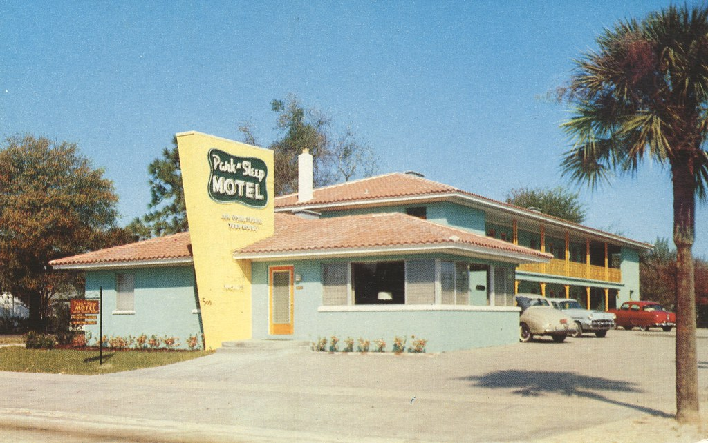 Park N' Sleep Motel - Tampa, Florida