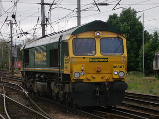 Freightliner - 66567 - Ipswich - 12 June 2012 | by Steven's Transport Photos
