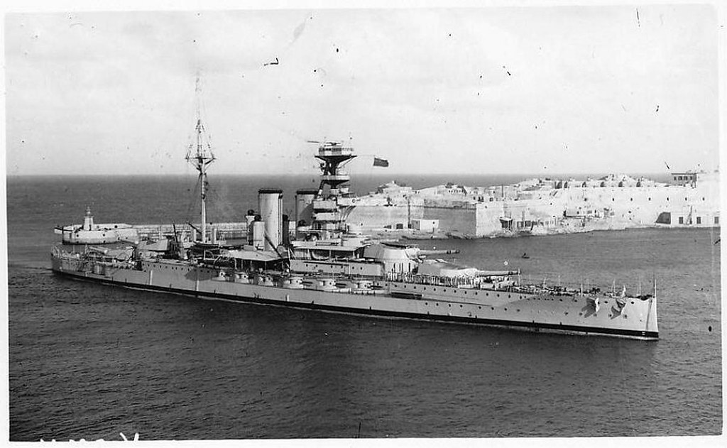 H M S Valiant Now That Is Hust What A Battleship Should