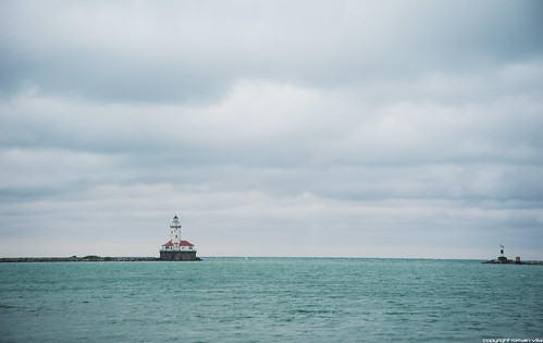 Chicago Harbor Lighthouse - Chicago | by romvi