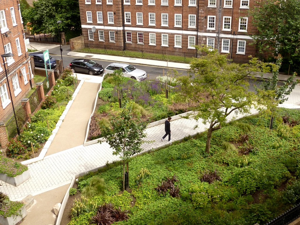 Percival triangle malta street open space london islin for Outer space design landscape architects