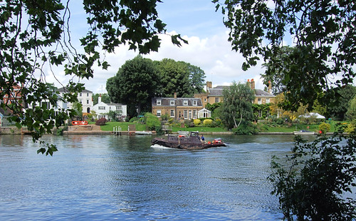 A Boat On The River At Kingston-Upon-Thames - London. | by Jim Linwood