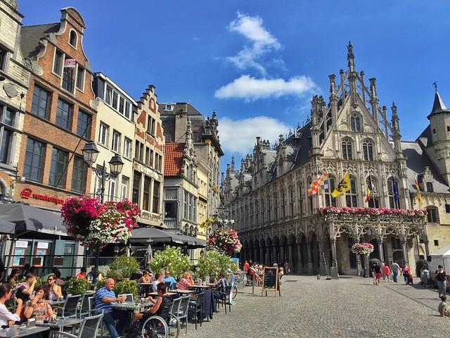 Grote Markt de Malinas (Flandes)