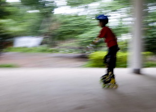 This is a bit panning with slow shutter with hand-held blurr effect. | by rabiulis