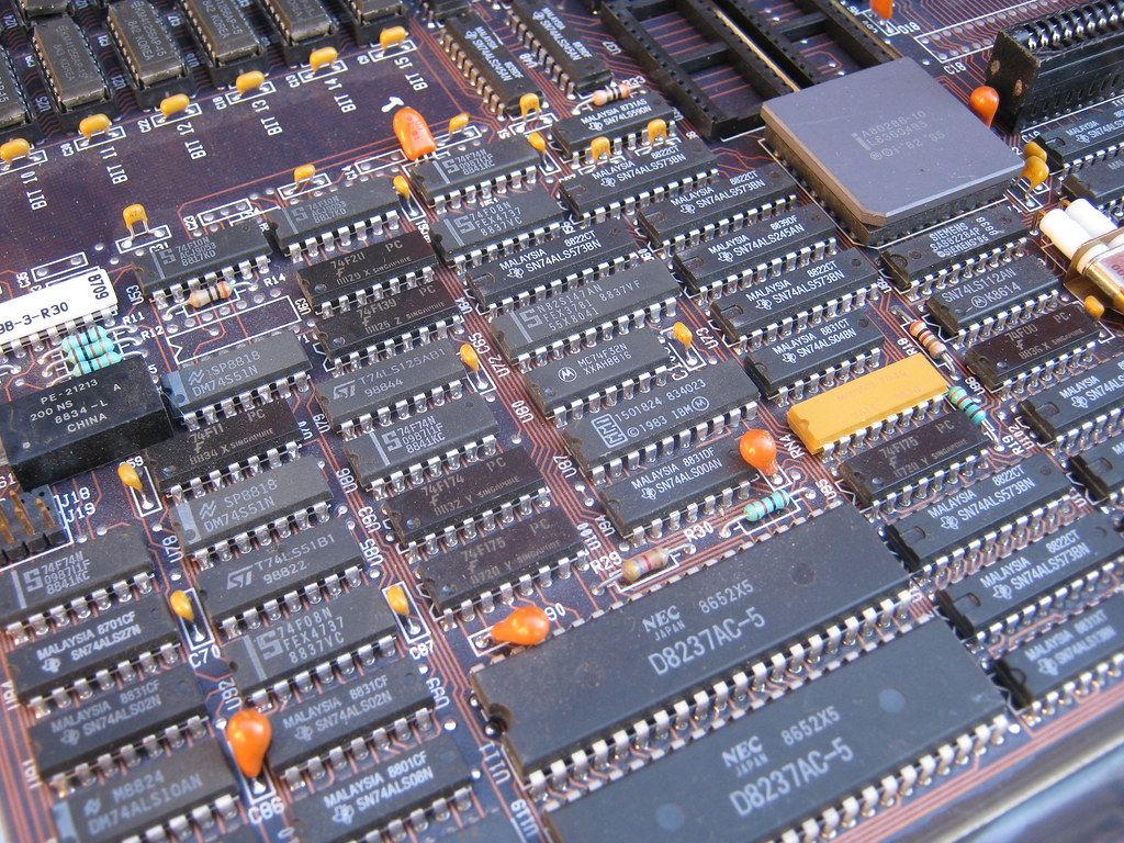PC Motherboard | motherboard from a mid-1980's era IBM PC ...