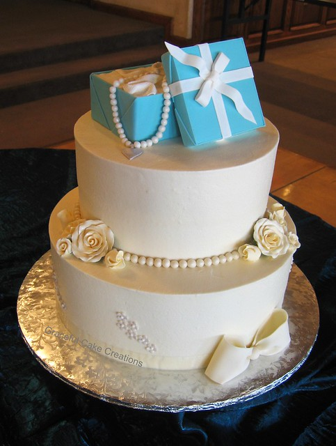 Birthday Cake Images Elegant : Elegant Sweet 16 Birthday Cake with Tiffany Gift Box ...