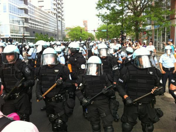 Chicago NATO 5 20 Riot cops