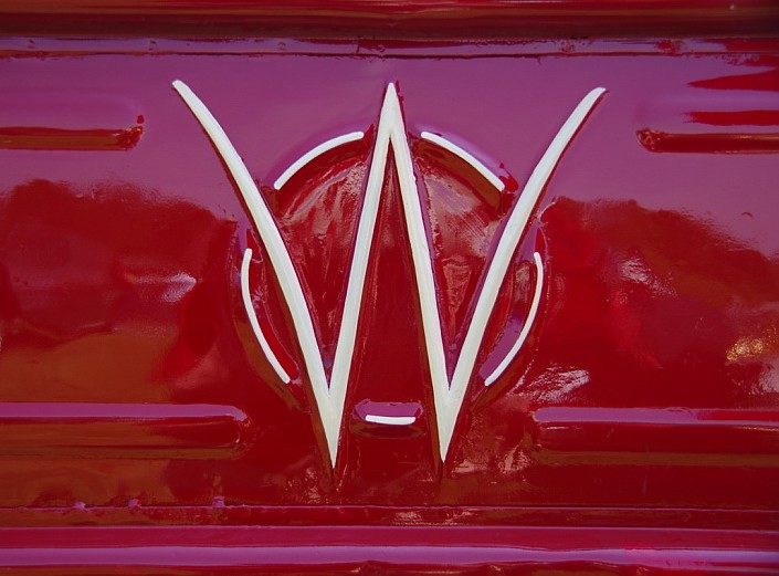 Willys Jeep Truck >> 1962 Willys Motor Company Jeep Pickup Truck Tailgate Emble… | Flickr
