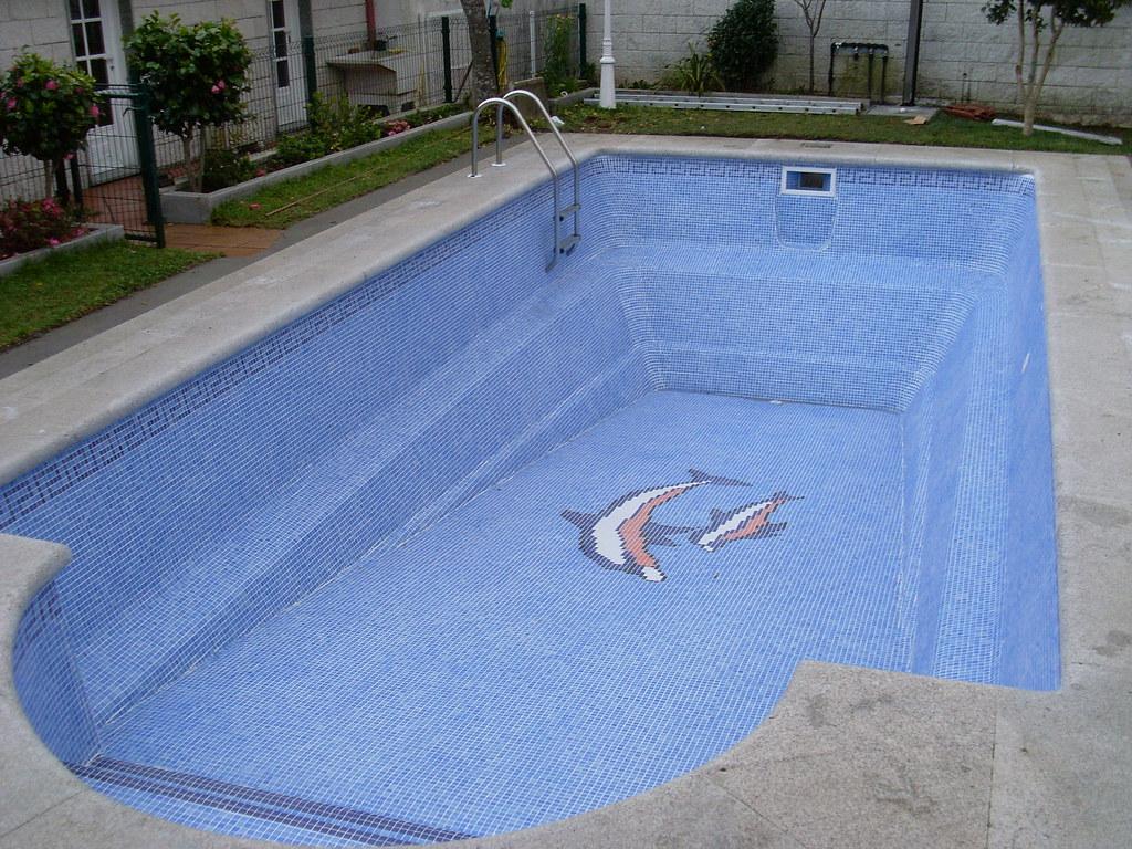 Piscina en poli ster con m s de 15 a os piscina de for Recubrimientos para piscinas